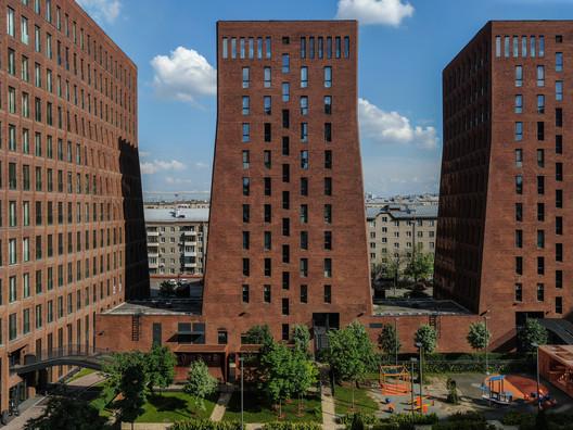 Kauchuk Residential Towers  / Meganom