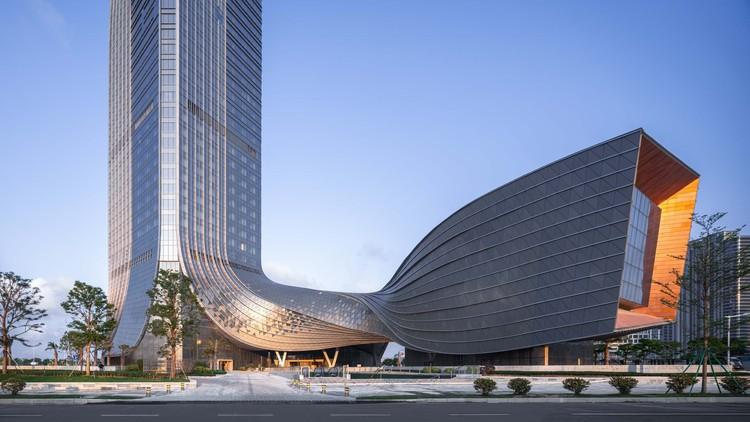 Centro Financeiro Internacional Hengqin / Aedas, simbolizam o novo nascimento do novo distrito financeiro. Imagem Cortesia de Aedas