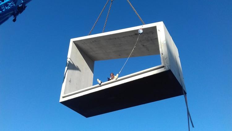"""""""La construcción tradicional está condenada a desaparecer"""": Entrevista con los arquitectos de SUMMARY, Pré-fabricados de 1000m2 / SUMMARY. Image © BuildingPictures"""