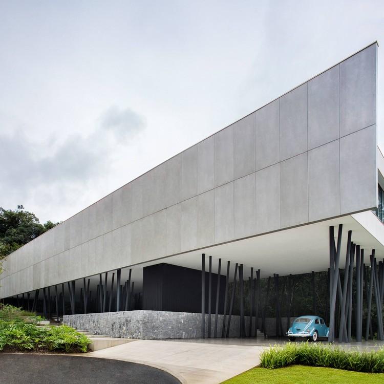 Casa del árbol / Studio Guilherme Torres, © Denilson Machado – MCA Estúdio