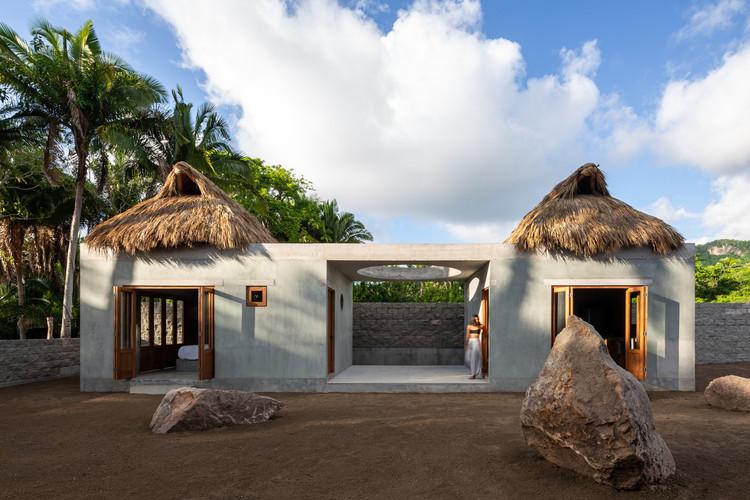 Arquitectura en México: casas para entender el territorio de Nayarit, Bungalow Litibú / PALMA. Image © Luis Young