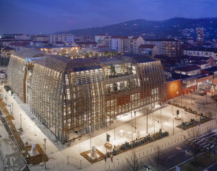 Edificio Parque Green Pea / Acc Naturale Architettura + Negozio Blu Architetti, © Fabio Oggero