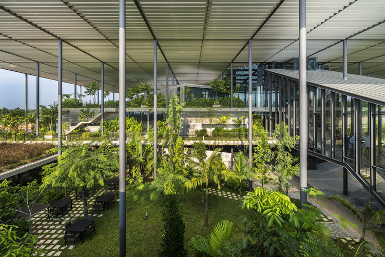 Biophilia in Architecture: Nature Indoors and Outdoors, Factory in the Forest / Design Unit Architects Snd Bhd. Photo © Lin Ho Photography