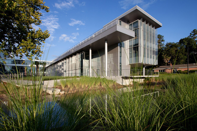 University of Florida Clinical Translational Research Building / Perkins+Will. Foto © Robin Hill