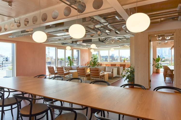 6 Orsman Road Workspace / Waugh Thistleton Architects + Storey. Foto © Ed Reeve