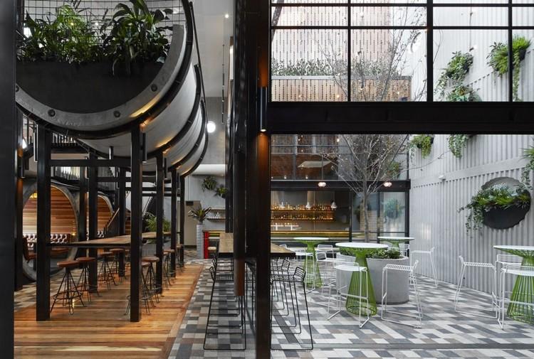 Prahran Hotel / Techne Architecture + Interior Design. Image © Peter Clarke