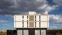 Casas e Edifício Misto MBV2 / Rede Arquitetos