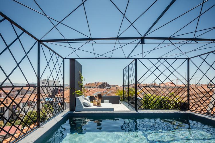 Apartamento Fernandes Tomás  / Oggo Studio Architects, © João Morgado