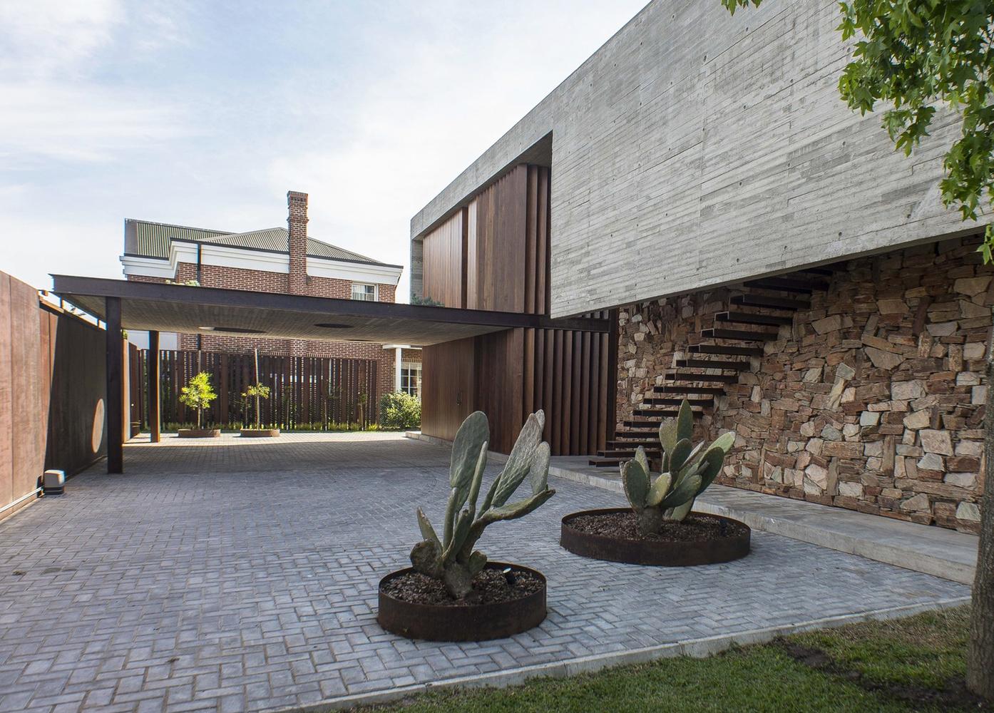 Esquemas funcionales: estrategias de organización programática en casas de Argentina,Casa AD / Estudio M3. Image © Luis Barandiarán