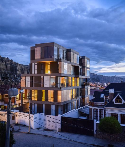 Se anuncian los ganadores de la Bienal de Arquitectura Boliviana 2021, Edificio Isabel, segundo lugar en Categoría Obra Construida Nacional. Image © Lucia Lugones