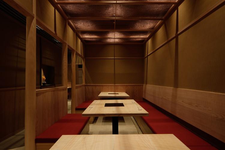 Sukiyaki Jyuniten Restaurant / Fumihiko Sano Studio, © Daisuke Shima