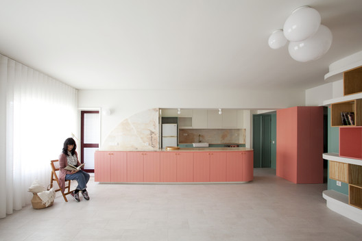 CR.IS Apartment / A2OFFICE