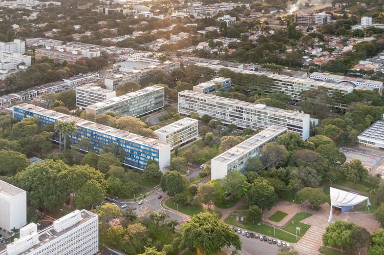 Ciudades policéntricas: un viejo concepto como futuro urbano pospandémico, Unidades de Vizinhança em Brasília. Imagem © Joana França