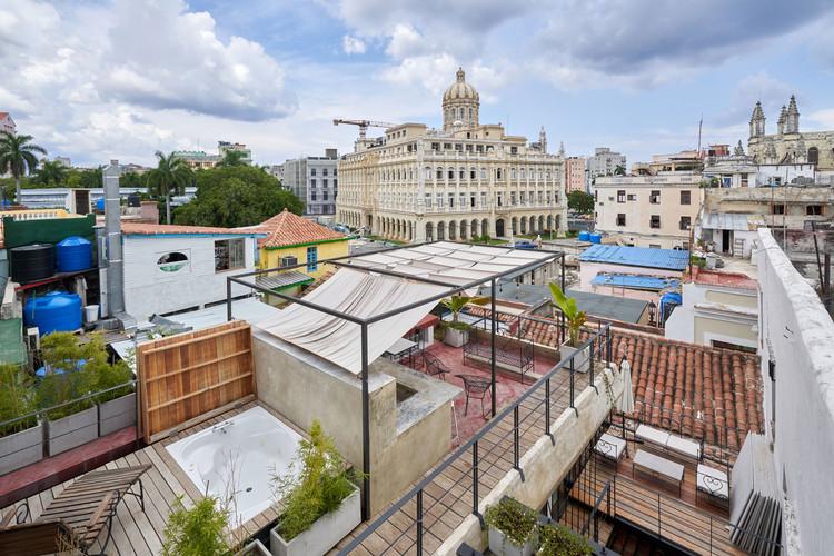 """Ad Urbis: """"Escritórios de arquitetura são um conceito obsoleto em Cuba"""", Hostel Casa de Pedro e María / Ad Urbis Arquitectos. Image © Nestor Kim Enríquez"""