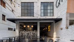 QT Pizza Bar / Bruna Pires Arquitetura