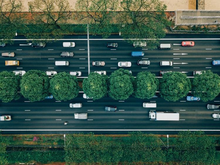 Pesquisa avalia impacto ambiental de diferentes meios de transporte, Foto: CHUTTERSNAP, via Unsplash. Image