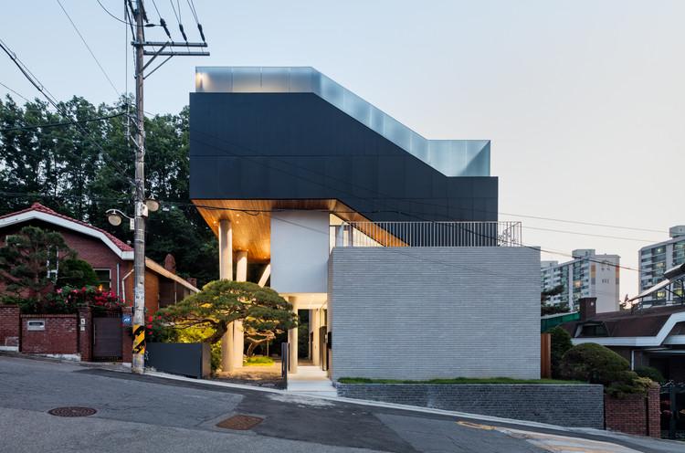 Self Stack House / Dongjin Kim + L'eau Design, © Kyungsub Shin