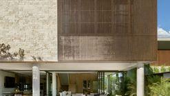 Casa AK / Leo Romano