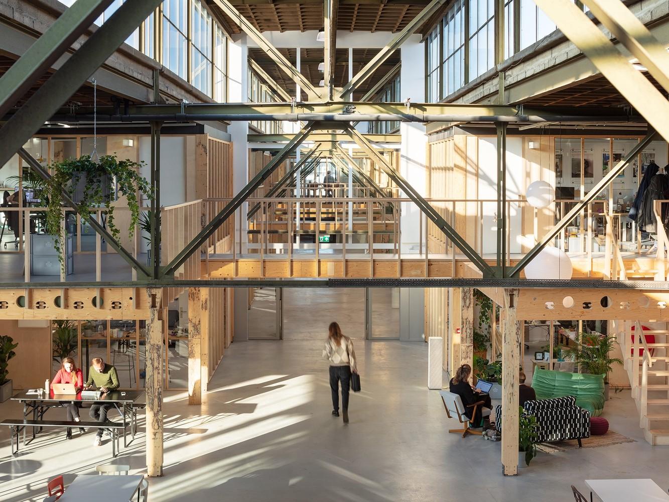 Tendencias en diseño y construcción del 2020: Lo recurrente, popular, relevante y sustancial,Werkspoor Factory / Zecc Architecten. Image © Stijnstijl Photography