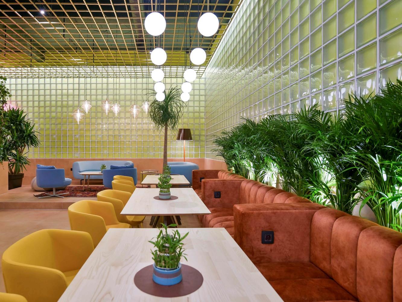 Tendencias en diseño y construcción del 2020: Lo recurrente, popular, relevante y sustancial,HEB'S Restaurant / Maden Group. Image © Atdhe Mulla