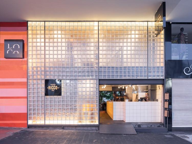 Restaurante Ricco Burger / BLOCO Arquitetos. Imagen © Haruo Mikami