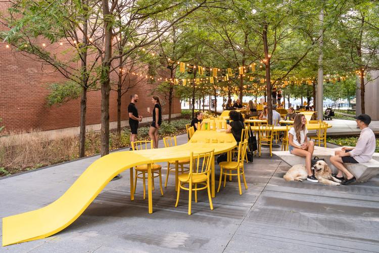 TULIP - Tu lugar en la mesa / ADHOC architectes. Imagen © Raphael Thibodeau