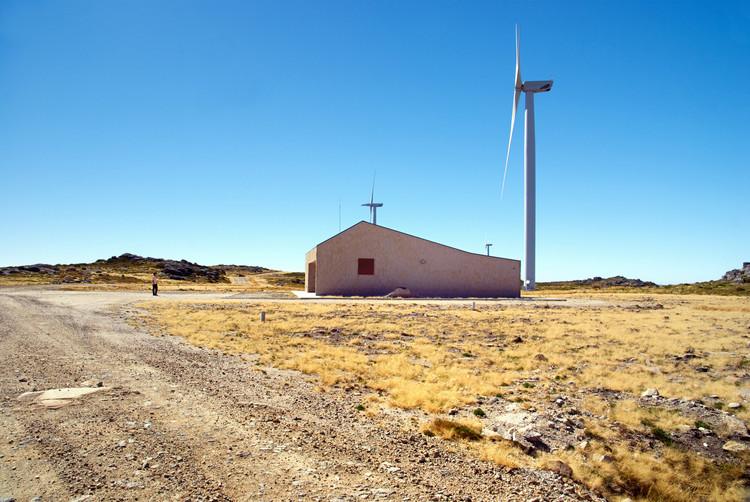 8 Examples of Wind Powered Architecture, VR Posto Comando / M2.SENOS. Image © Damião Santos