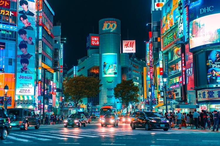 Japão vai eliminar carros à gasolina até 2035, Em 15 anos carros à gasolina serão eliminados no Japão. Foto de Jezael Elgoza, via Unsplash