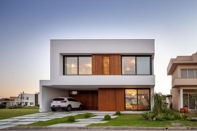 Residência JJR / dDM + Ateliê de Arquitetura, © Marcelo Donadussi