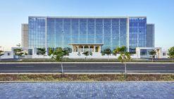 Auric Hall / IMK Architects
