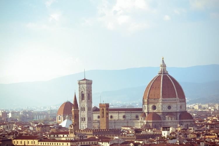 Florence Dome by Brunelleschi. Photo by Soff Garavano Puw on Unsplash