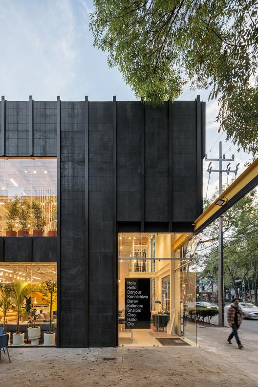 Gaia Flagship Store / Doméstico Estudio + DWMX Arquitectura, © Dane Alonso