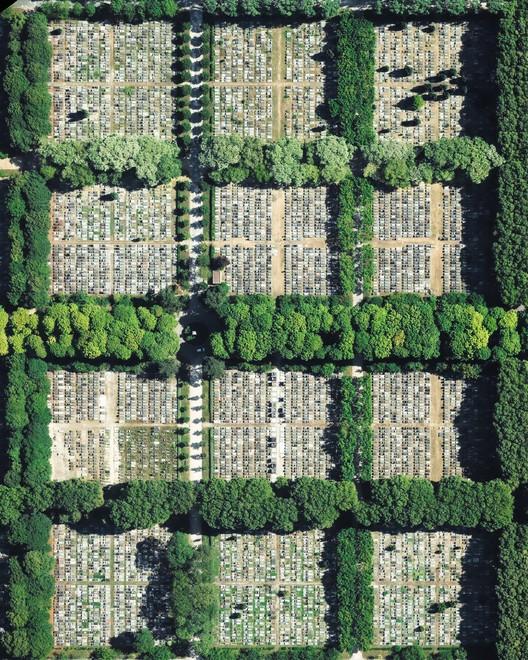Cimetière parisien de Pantin, Paris, France. Created by @dailyoverview, source imagery: @geomnimappros