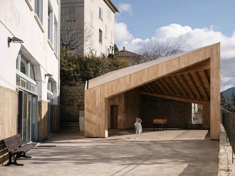 Evisa School Porch / Orma architettura, © David Giancatarina, Julien Kerdraon