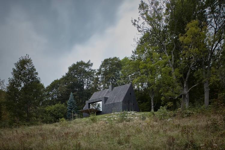 Cottage Pod Bukovou / Mjölk architekti, © BoysPlayNice