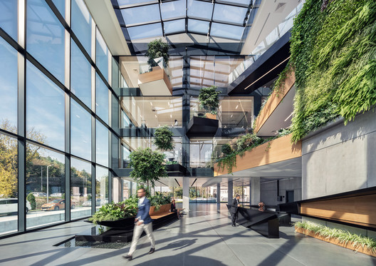 Edificio corporativo Desizo Monni / A&A Architects