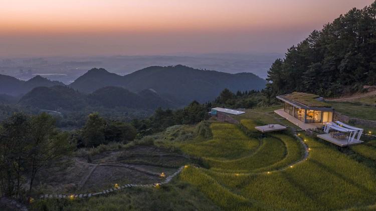 Orijinal sırt düzeni boyunca yürüyüş yolu, basit ve doğal. Resim © Weiqi Jin