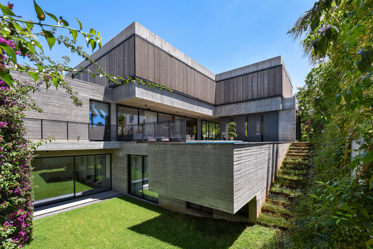 Casa de Concreto / Markella Menikou Chartered Architect, © Charis Solomou