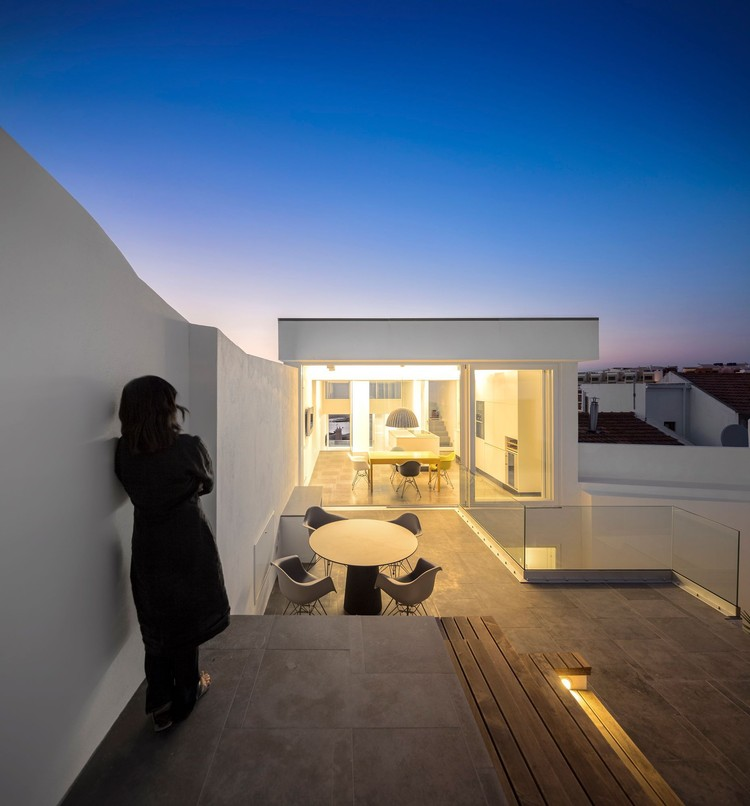 30 casas diseñadas por arquitectas y oficinas dirigidas por mujeres, Residencia 103 / Ultramarino | Marlene Uldschmidt Architects. Imagem: © Fernando Guerra | FG+SG