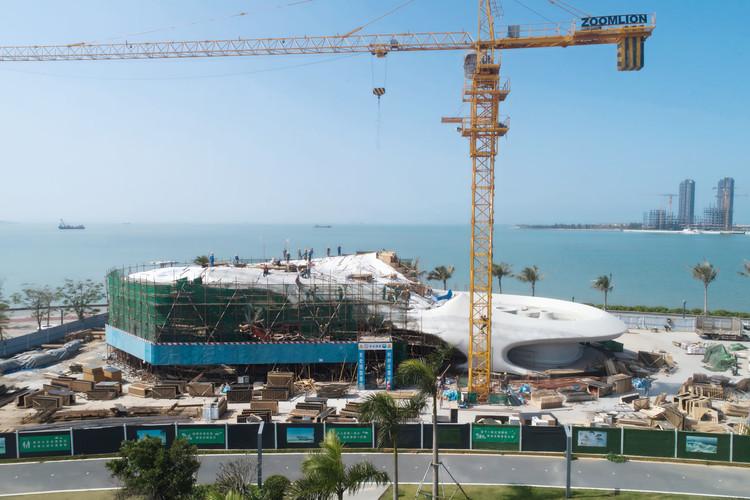 """Biblioteca projetada por MAD Architects oferece uma conexão """"com o céu e o mar"""", Cortesia de MAD"""
