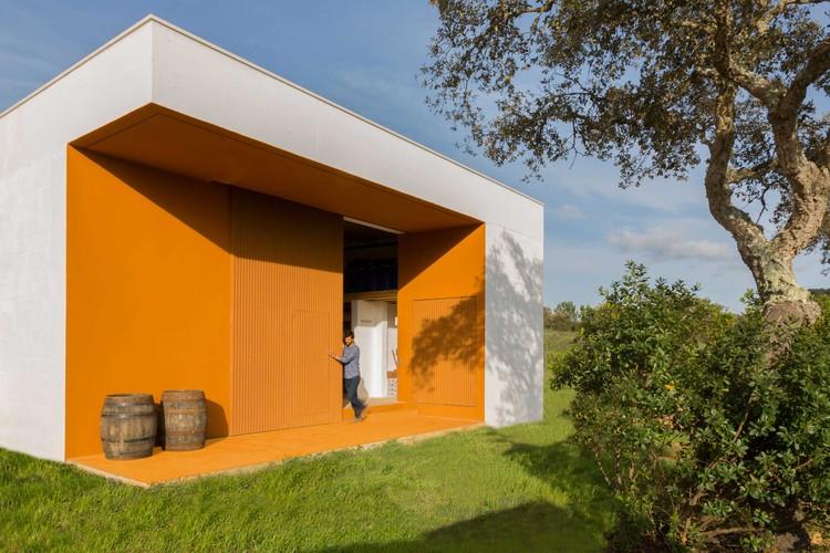 Destilaria de Medronho / ARDE Arquitetura + Design, © Alma orgânica