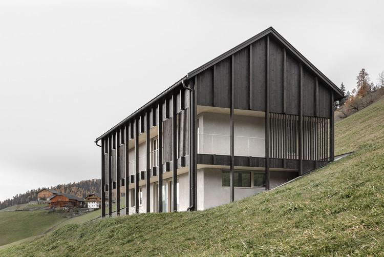 Ciasa Le Fiun House / Architect Daniel Ellecosta, © Gustav Willeit