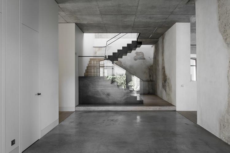 U36 House in a Bohemian Context  / TRIMONIS architects, © Leonas Garbaciauskas