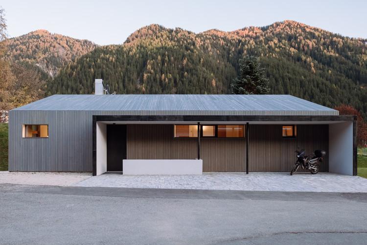 House L / Plasma Studio, © Michael Pezzei