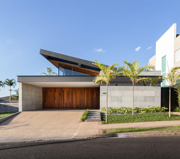 Casa PR / Laercio Fabiano Arquitetura, © Daniel Santo