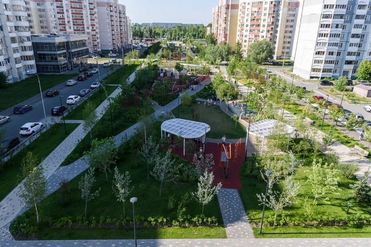 White Flowers Boulevard / Project Group 8 + PARK. © Daniil Shvedov