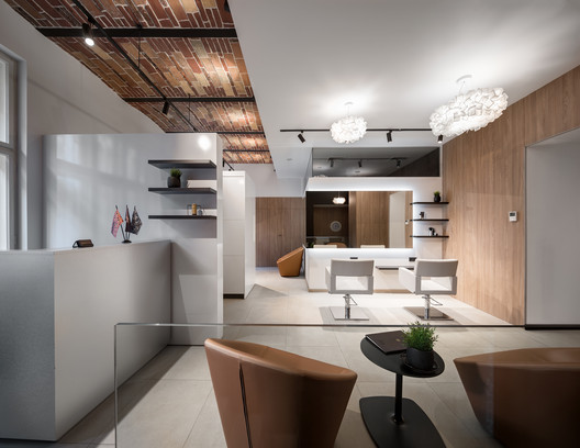 Bankhotel / KUDIN architects