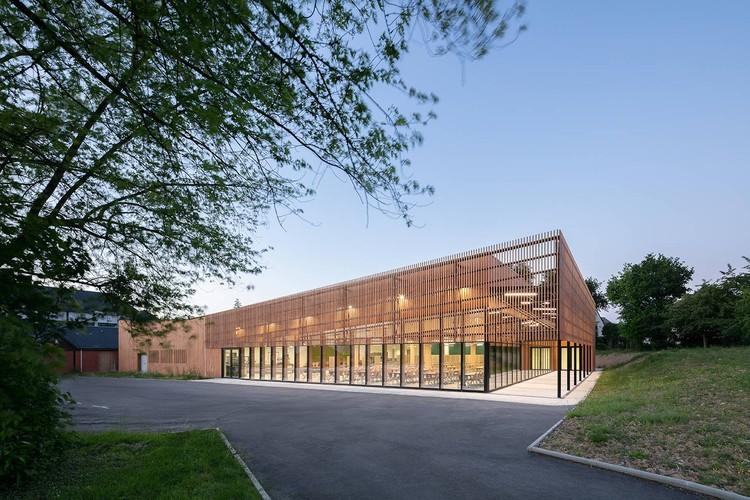 Cantina da Escola Rene Cassin / Brulé Architectes Associés, © Pascal Leopold
