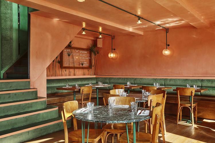 Bar Botanique Cafe Tropique / Studio Modijefsky. Image © Maarten Willemstein