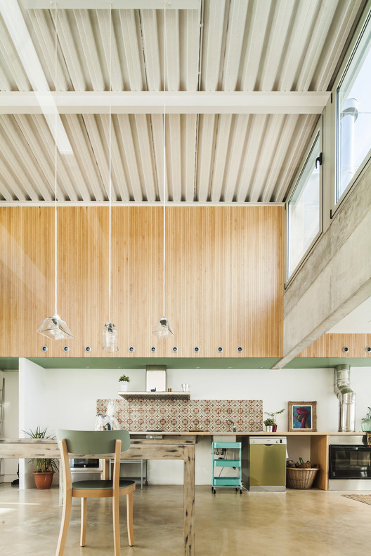 House Carrer Migdia / Sau Taller d'Arquitectura. Image © Andres Flajszer